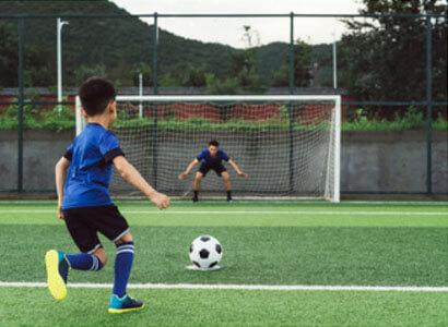 算数だけじゃなくスポーツに集中する男の子