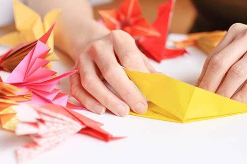 折り紙で図形を作る手